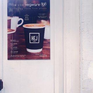 伦敦咖啡 南岸的彩色咖啡店...