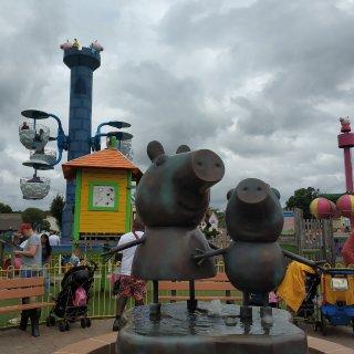 小猪佩奇游乐园