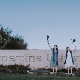 毕业季🎓在绝美海景大学Pepperdin...