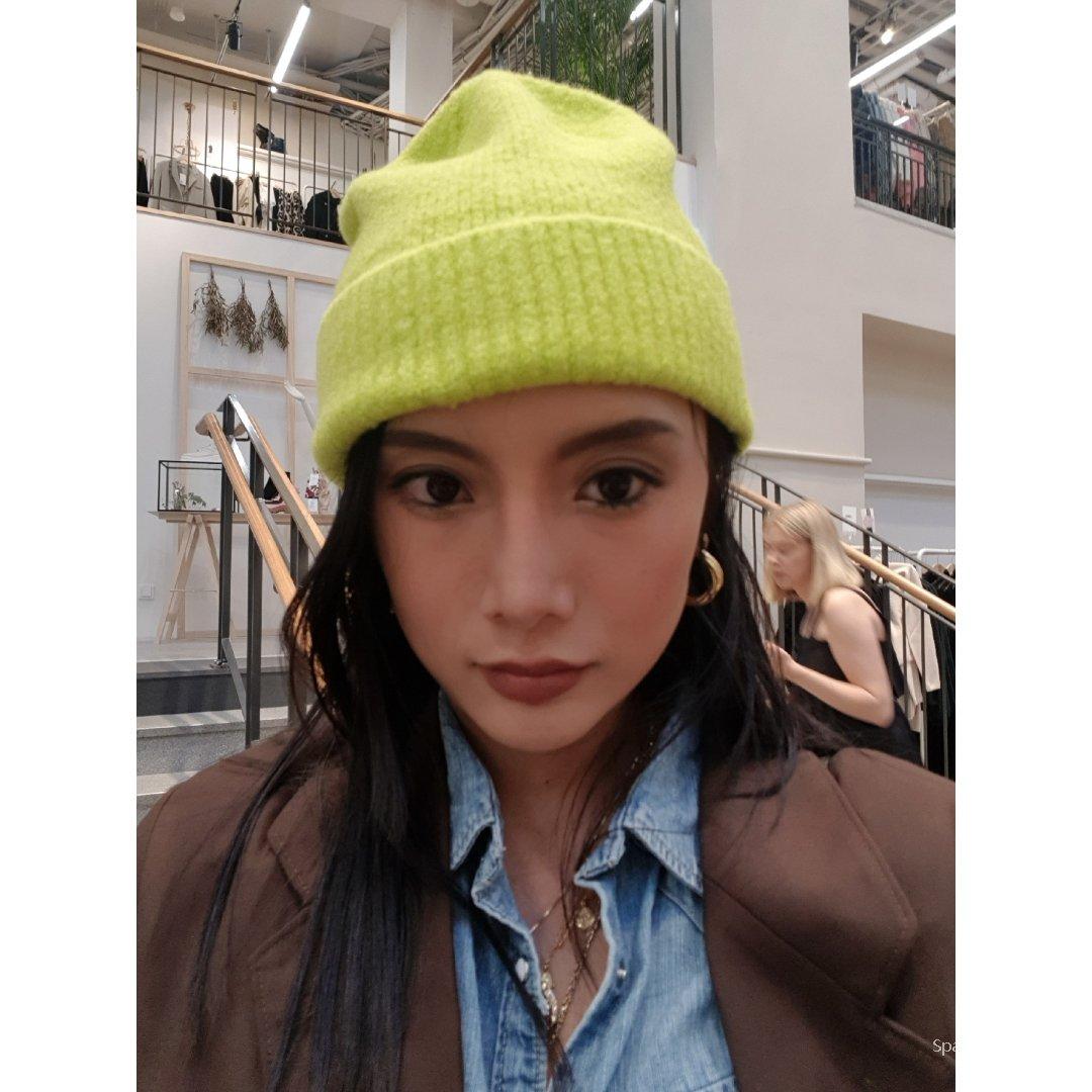 今年冬天最荧光的仔! Acne羊毛帽新色