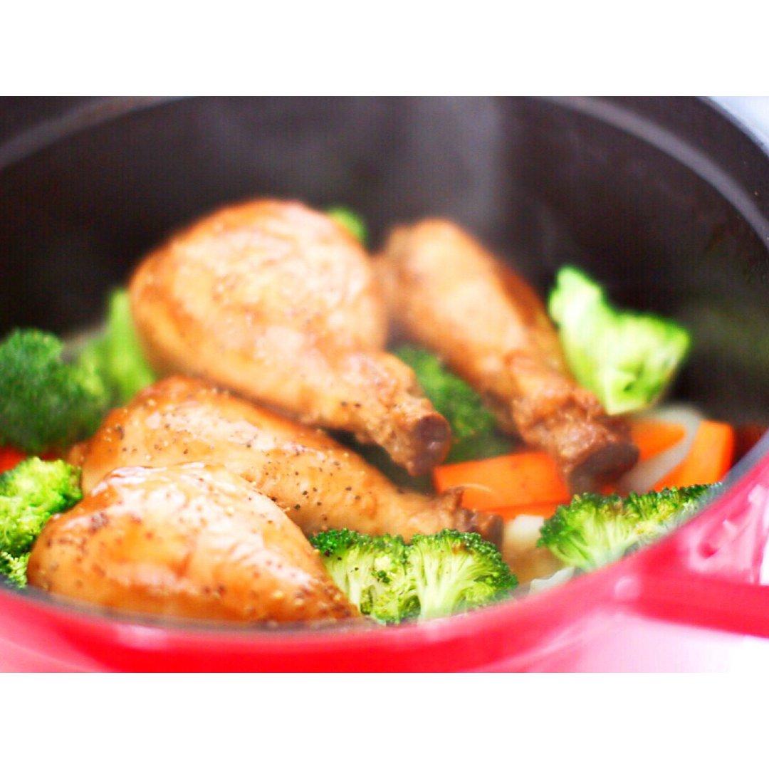 用铸铁锅烧鸡腿,轻松搞定有肉又有菜...