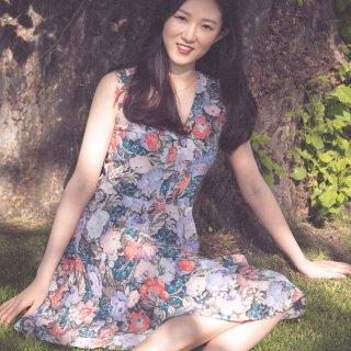 夏天来了穿花裙子拍照啦...