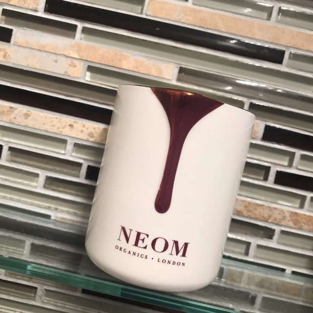 neom 香薰精油蜡烛<br />...