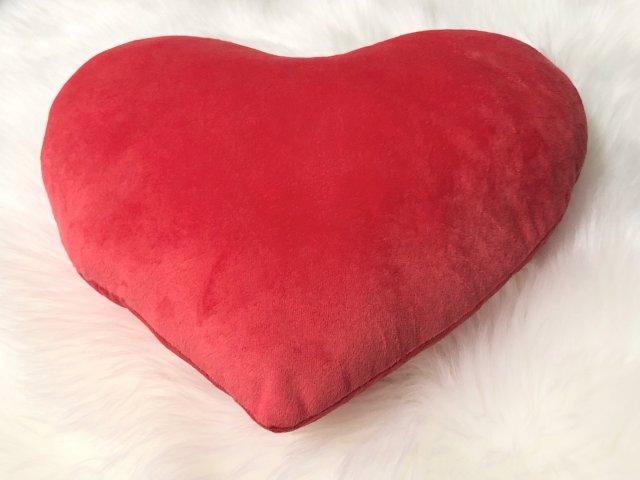 爱心抱枕,小小只很可爱❤️
