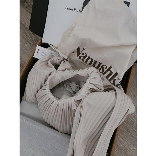 好物推荐 |来自匈牙利小众设计品牌Nanushka手提包