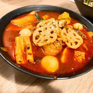 QingShu自選麻辣燙&雲南米線,美味又實惠👍