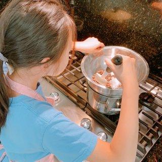 KaKa屋檐下之巧克力草莓🍓自己做...