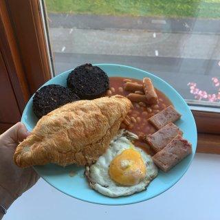 晒一个能量满满的传统苏格兰早餐...