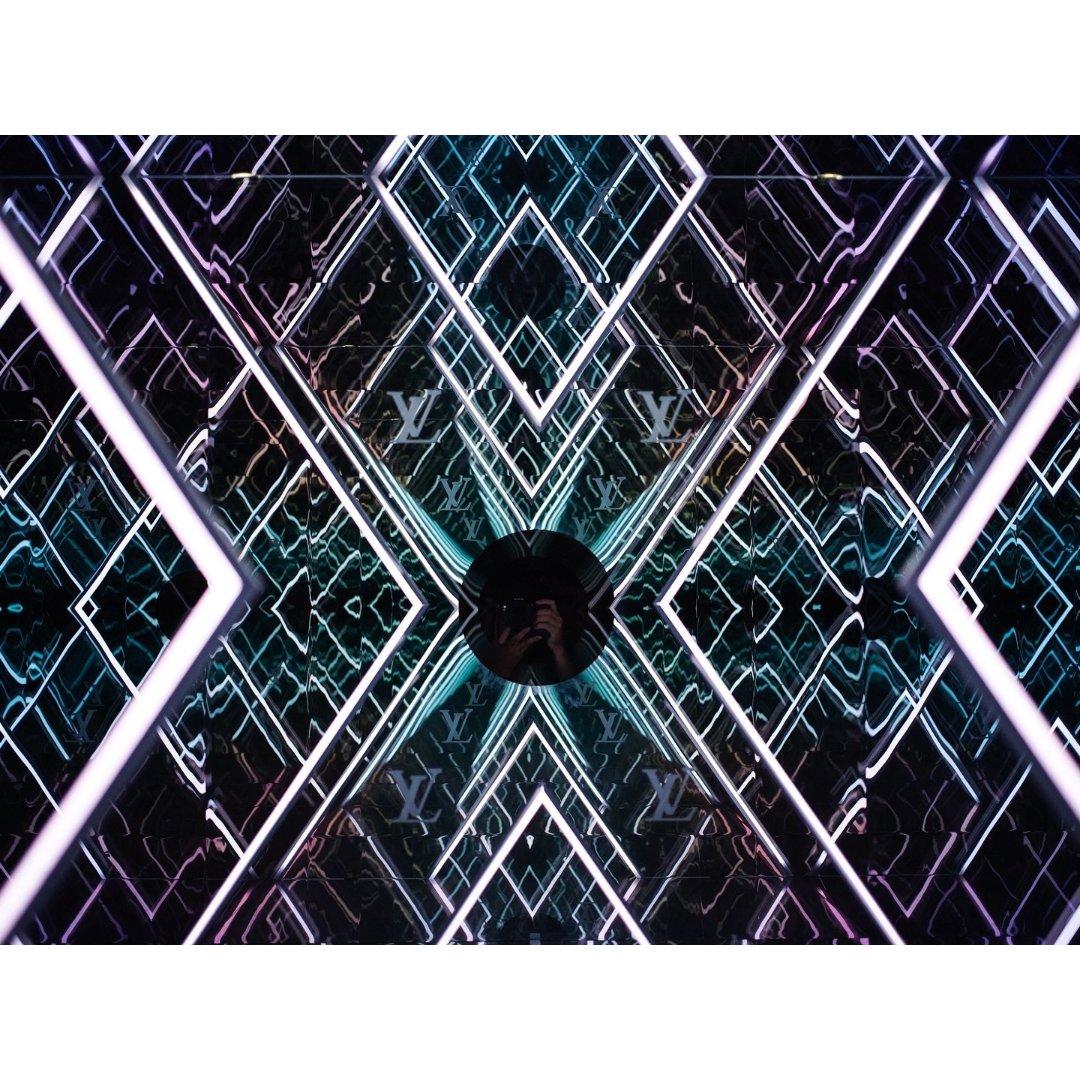 LA | Louis Vuitto...