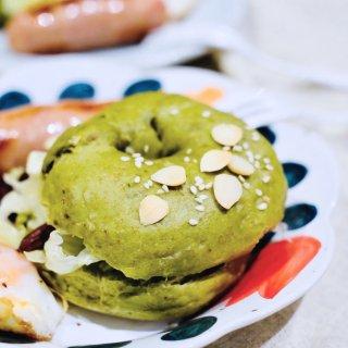 泥的食物 / 属于春夏的抹茶杏仁贝果...