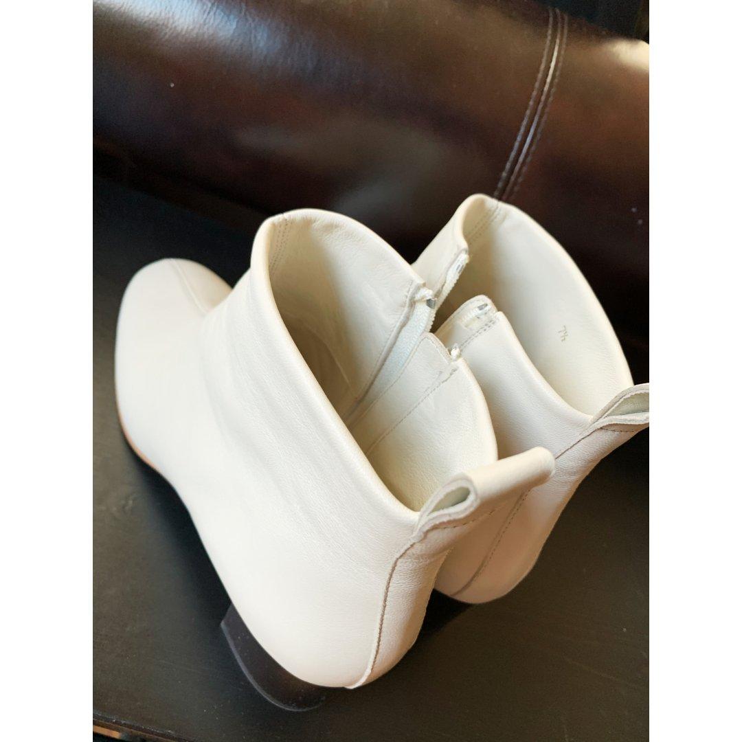 第一篇OOTD:Everlane 小白靴