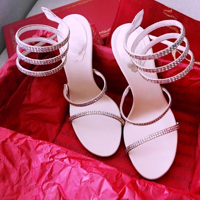 每个女生都需要一双水晶鞋 这双 真...