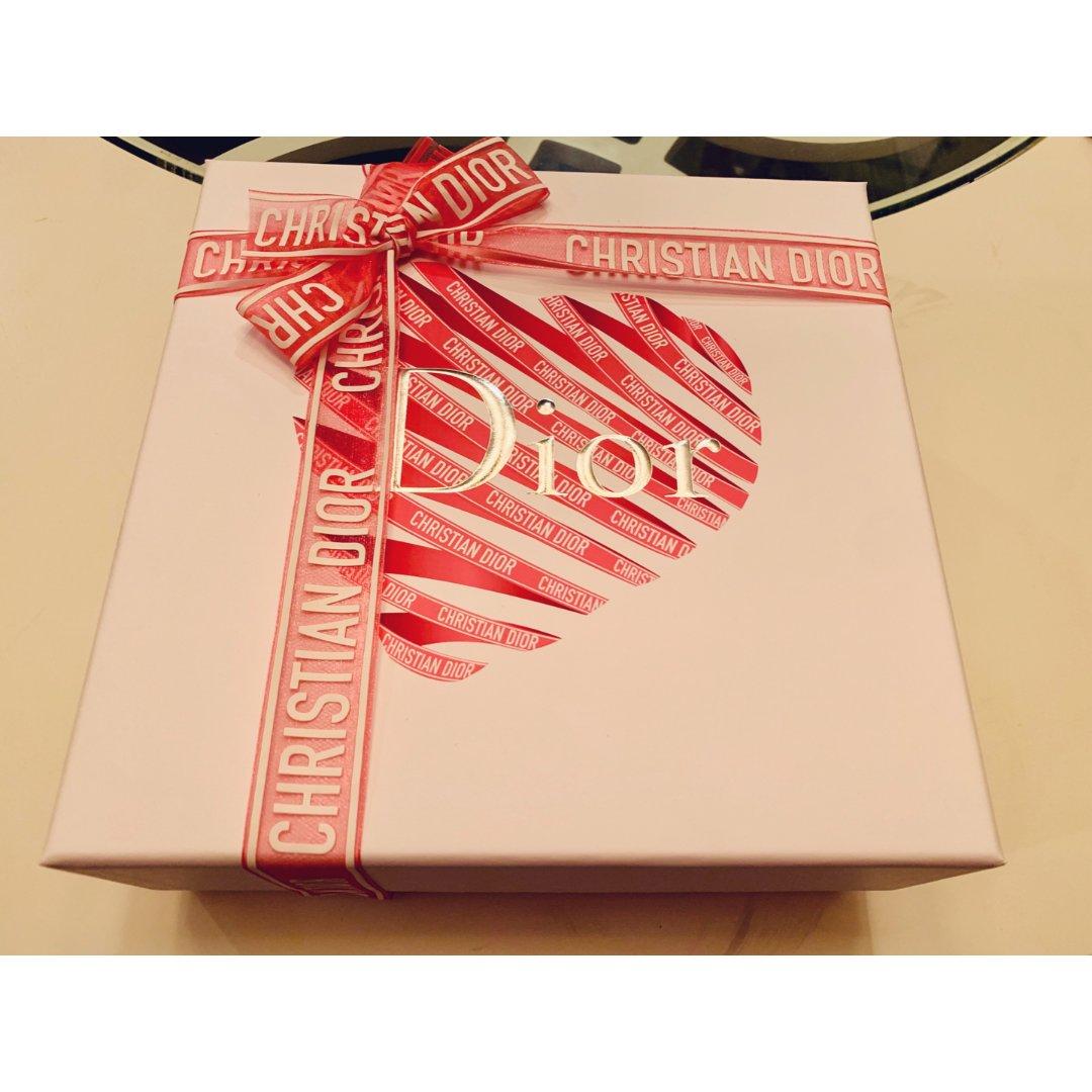 Dior Valentine Un...