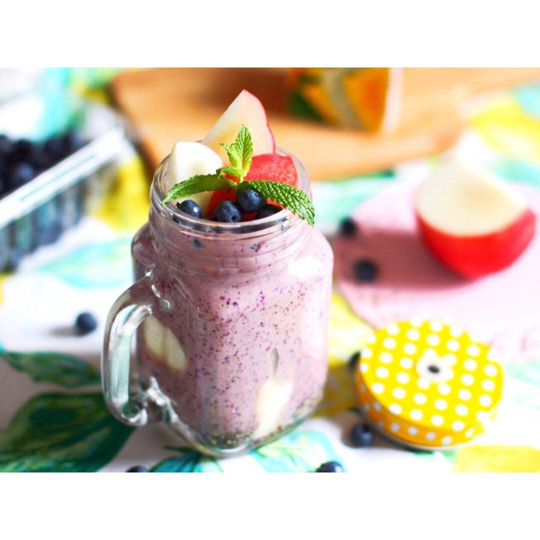 自制夏日减脂饮品 | 蓝莓花样营养奶昔🥛