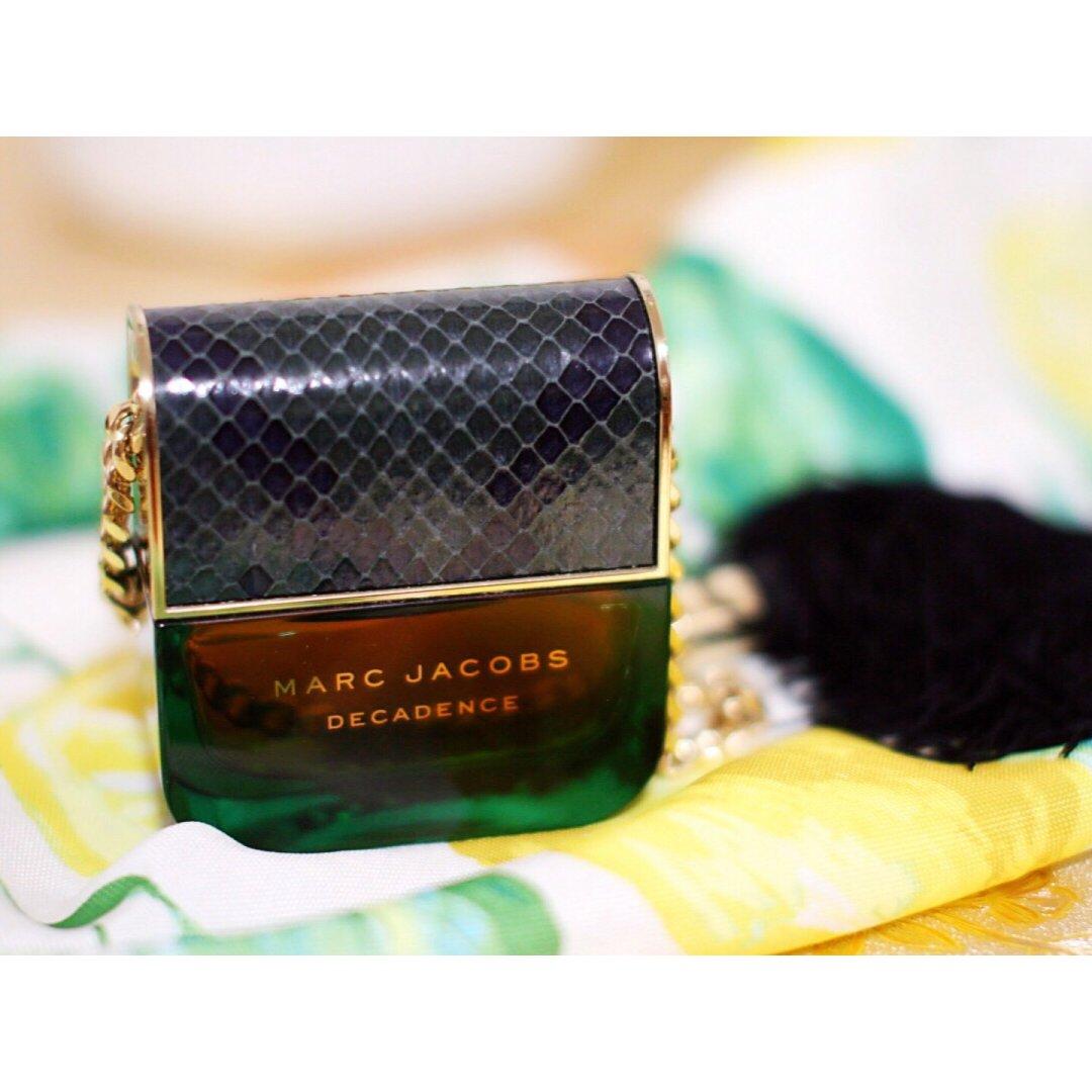 Marc Jacobs| 包包一秒变香水