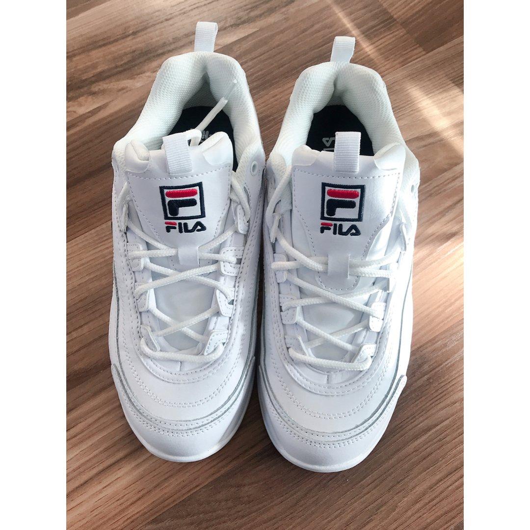 Fila 纯白运动鞋