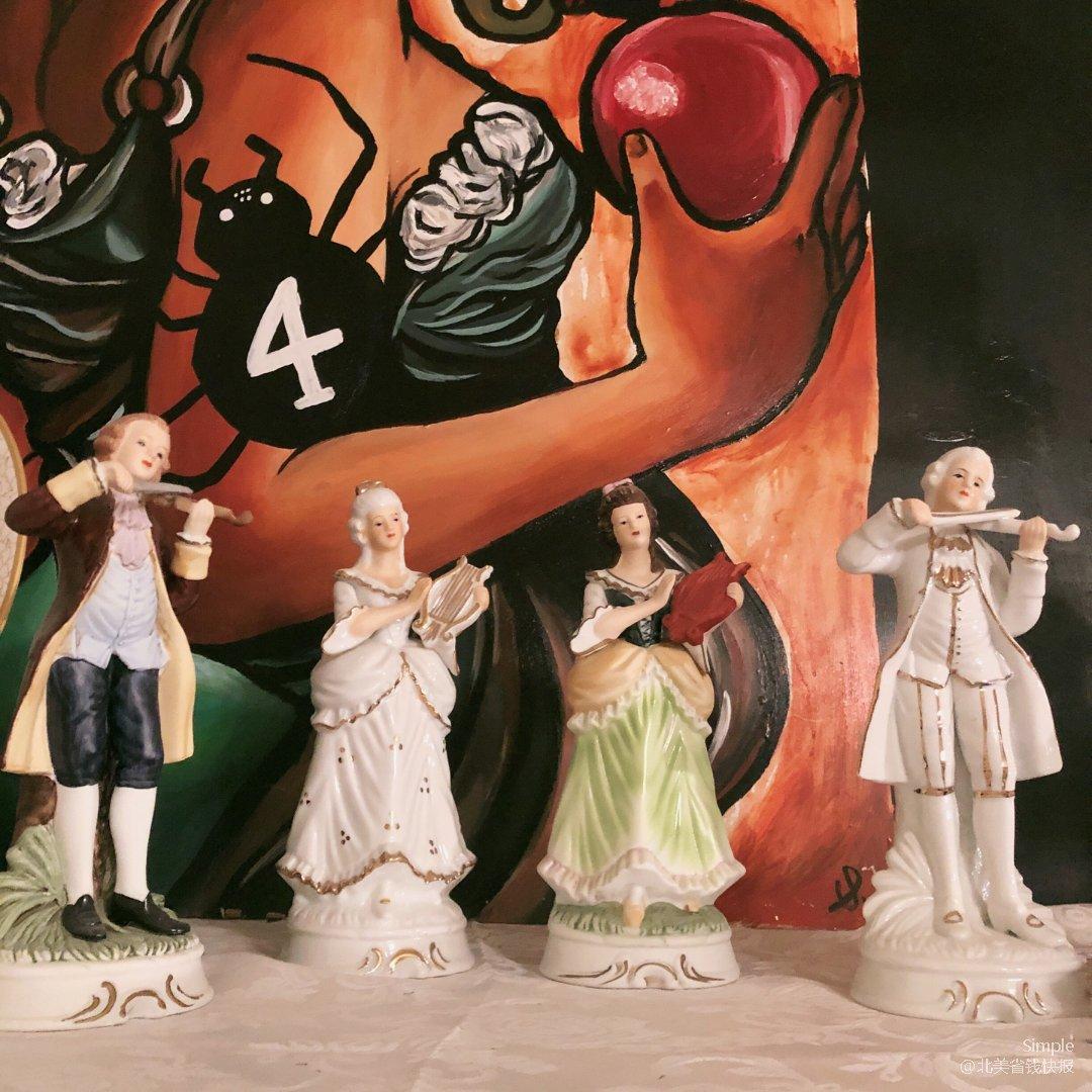中世纪风格陶瓷玩偶