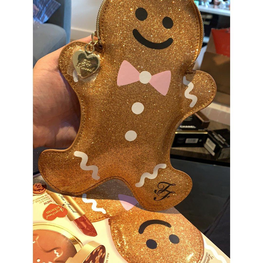 Too Faced 圣诞姜饼人套装 ...