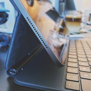 iPad Pro 12.9‑inch (2020)Magic Keyboard