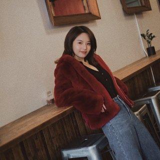 新年红系列   毛毛外套怎么穿不臃肿?🧣...