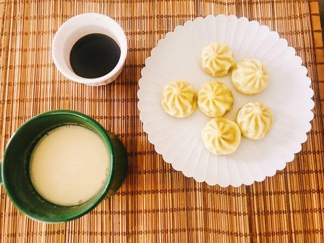 早餐就是要吃包子配豆浆~