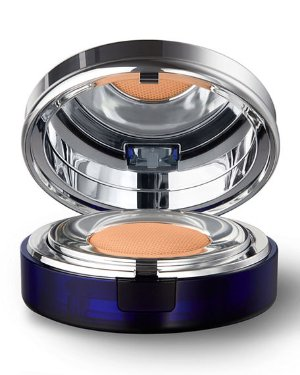 La Prairie Skin Caviar Essence-In-Foundation Broad Spectrum SPF 25, 1.0 oz./ 30 mL | Neiman Marcus