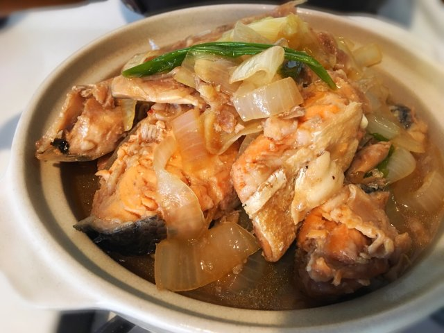 简单又健康的姜葱三文鱼煲🐟