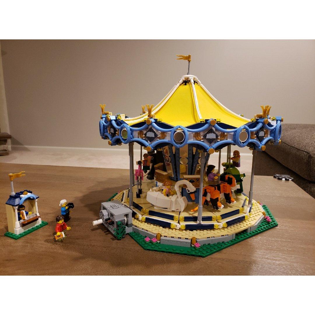 Lego旋转木马