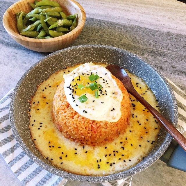 午餐吃什么?来一碗会拉丝的韩式芝士...