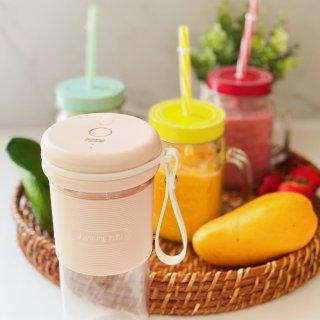 果汁味的夏天让九阳随身果汁机陪你度过...