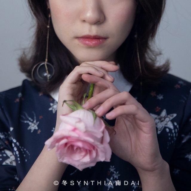 必杀技:法式刘海+伪素颜n腮红+娃...