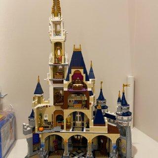 城堡终于拼好了!...