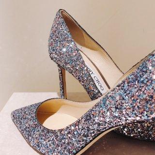 女人都缺一双高跟鞋...