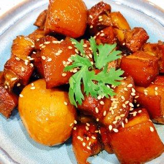 晚餐小饭桌:不炒糖色的红烧肉...