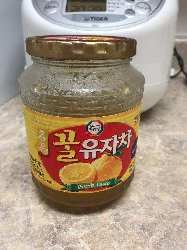 冲泡超方便的蜂蜜柚子茶,放在冰箱里...