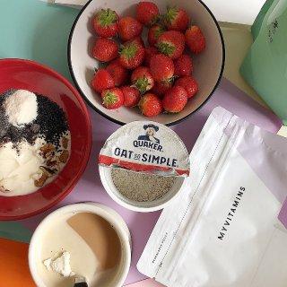 酸奶里可以加,我每天早上泡的奶茶里面也会加几勺,这个麦片牌子强推给大家