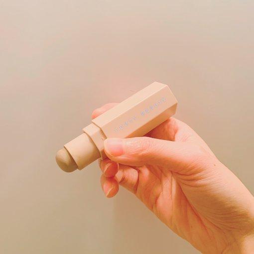 粉色单品4⃣️ FENTY BEAUTY 修容棒