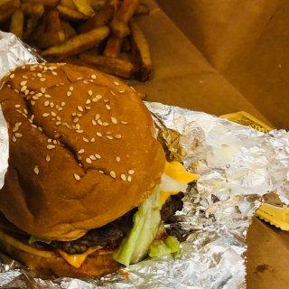 Cheeseburger,Cajun chips