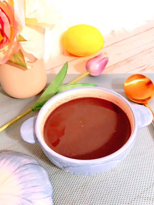 九阳豆浆机做出香浓滑腻的黑芝麻糊