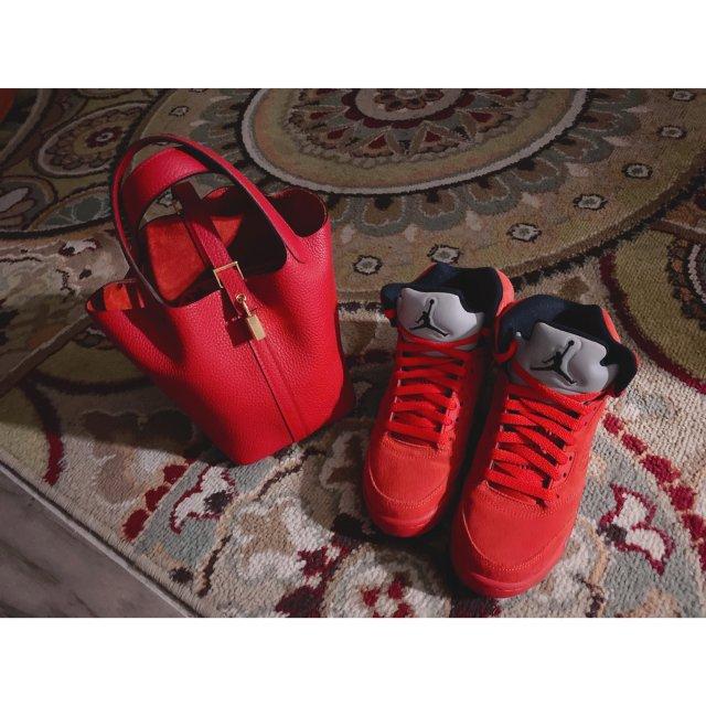 【包包鞋子一个色】- 红色