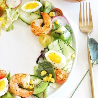 夏天就要吃🥗呀|大虾花环沙拉😋...