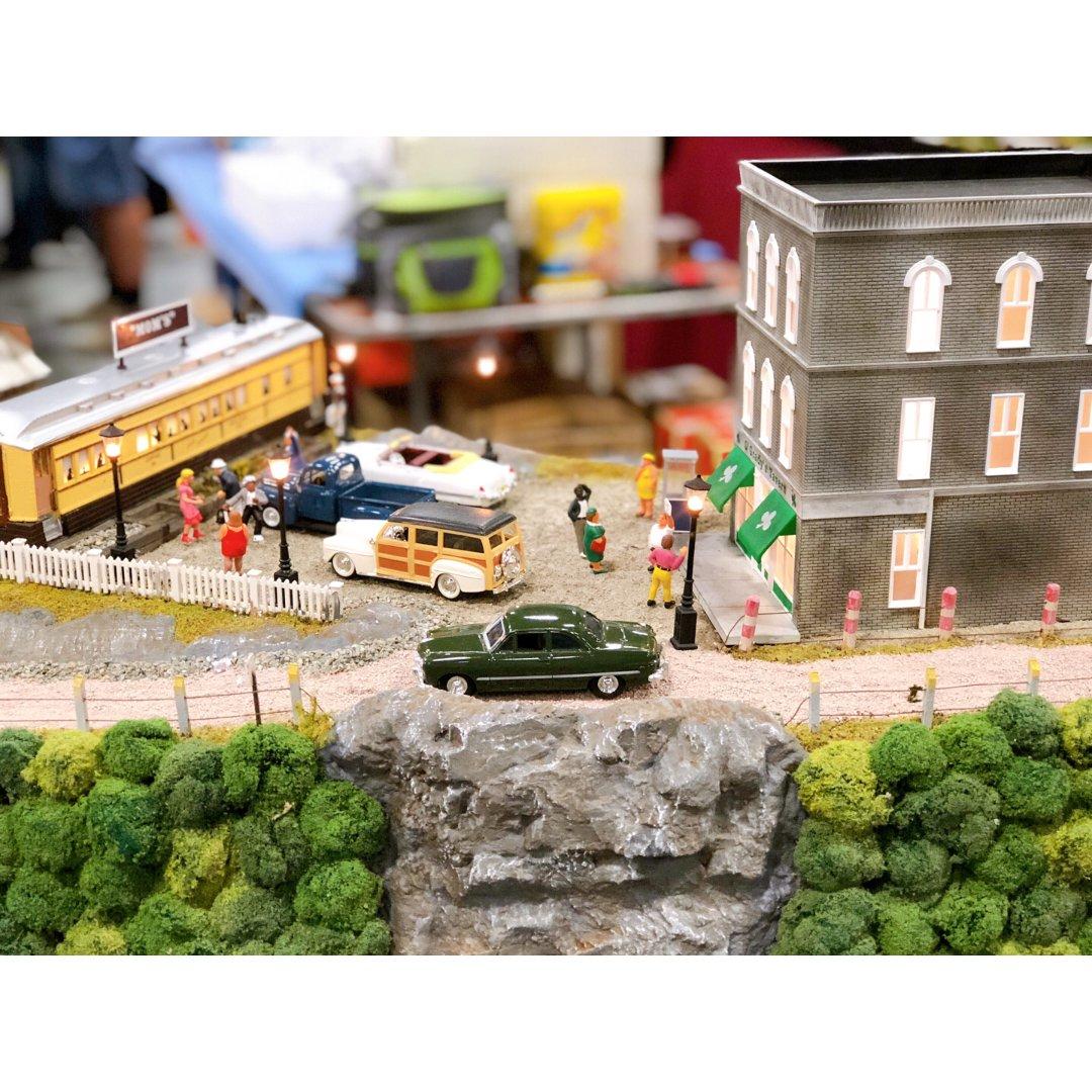 """格林伯格""""火车与玩具展"""""""