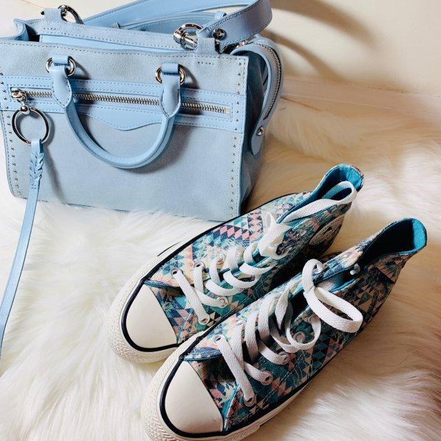 包鞋同色之嫩蓝配花俏