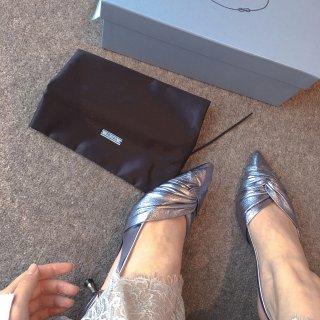 英国解封的快乐 Prada 小猫跟 凉鞋...