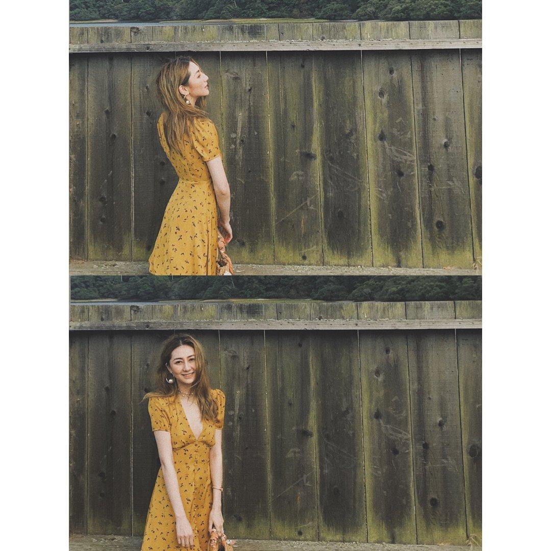 黄色小碎花裙