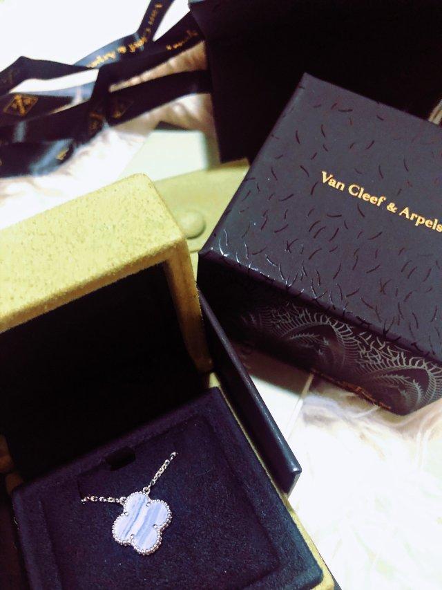 最强生日礼物| Van Cleef...
