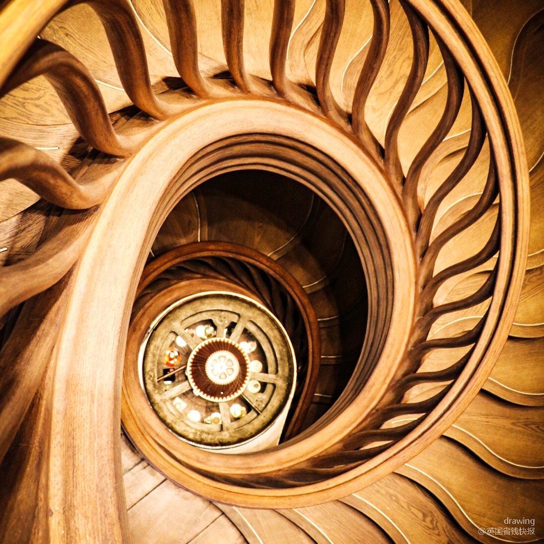 伦敦探店🇬🇧HIDE旋转楼梯打卡...