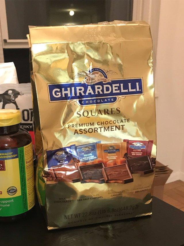 Ghirardelli的方片巧克力...