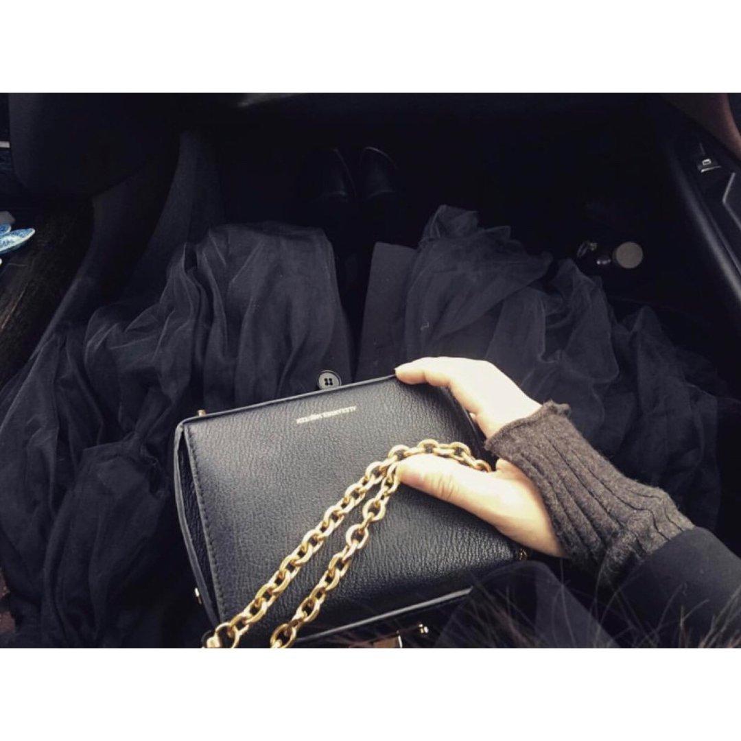 McQueen box🖤金链 | ...