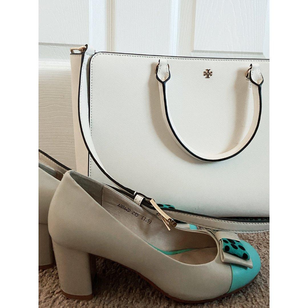 包包鞋子一个色—白色